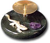 Подсвечник круглый или овальный с ящерицей, галтовкой
