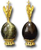 Яйцо пасхальное с литьём Архангел (змеевик).