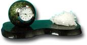 Часы шар на подставке с минералом