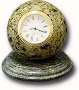 """Часы  из змеевика  """"Шар""""  Д-100х120 мм"""