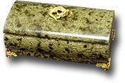 Шкатулка из змеевика (Баж) 125х70х65 мм