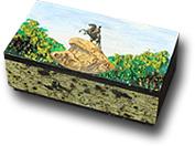 Шкатулка с рисунком на крышке
