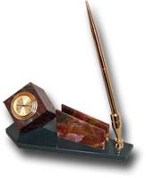 Письменный прибор из яшмы и долерита (куб с часами, визитница