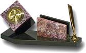 Письменный прибор из чароита и долерита (куб с часами, визитница
