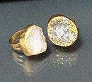 Кольцо с друзой минерала