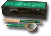 Настольный прибор из малахита, долерита (лупа. нож)